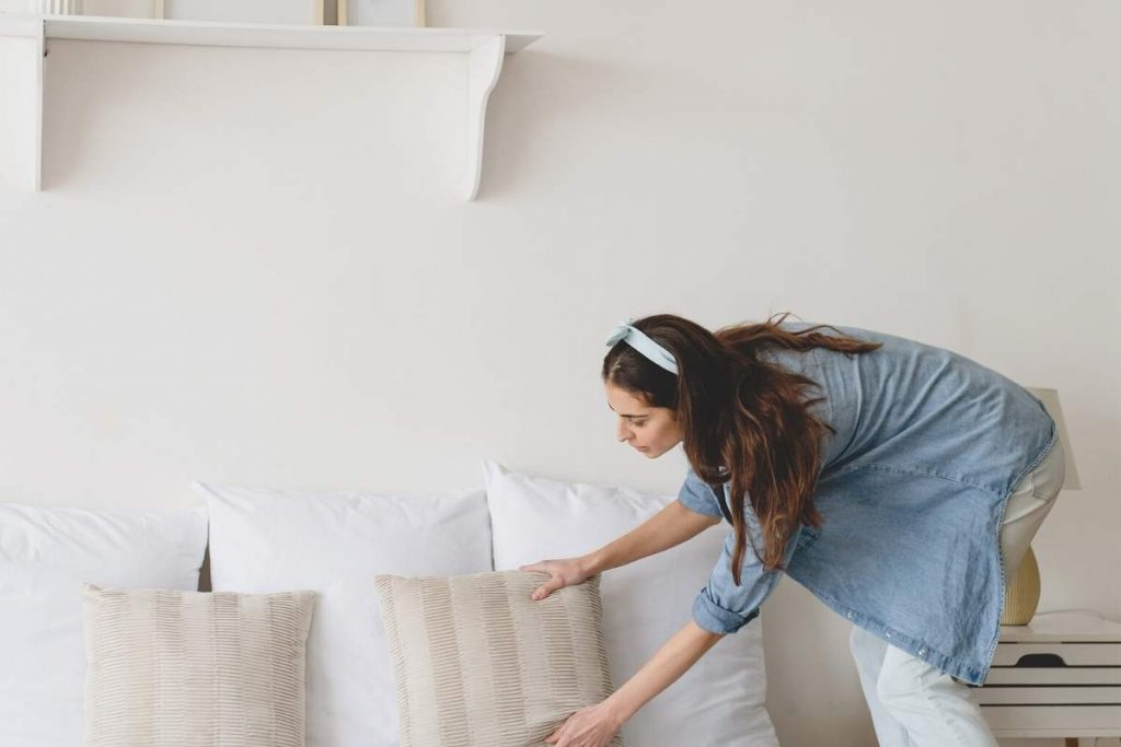 A Stay at Home Mom Cleaning Schedule You Can Keep